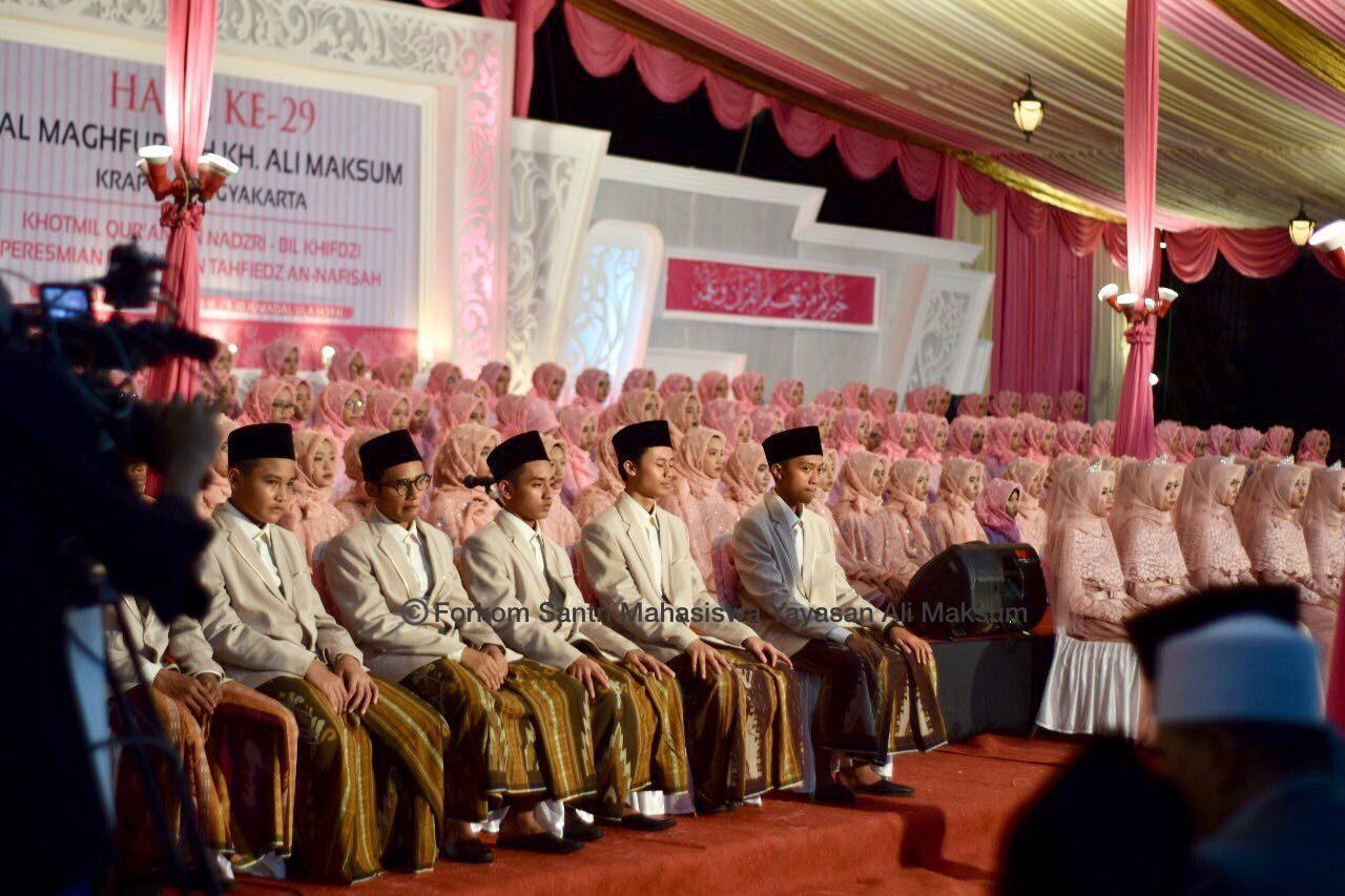 haul kh ali mkasum krapyak Yogyakarta