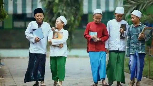 Ali Adhim, Pewarta Nusantara