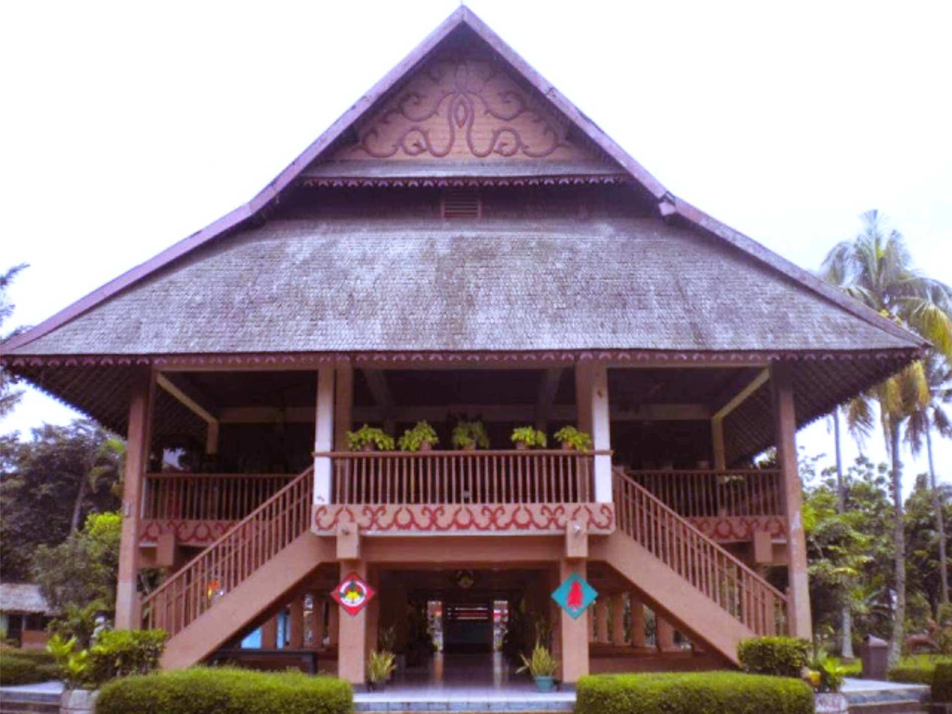 Rumah Adat Provinsi Sulawesi Utara Minahasa (Walewangko)