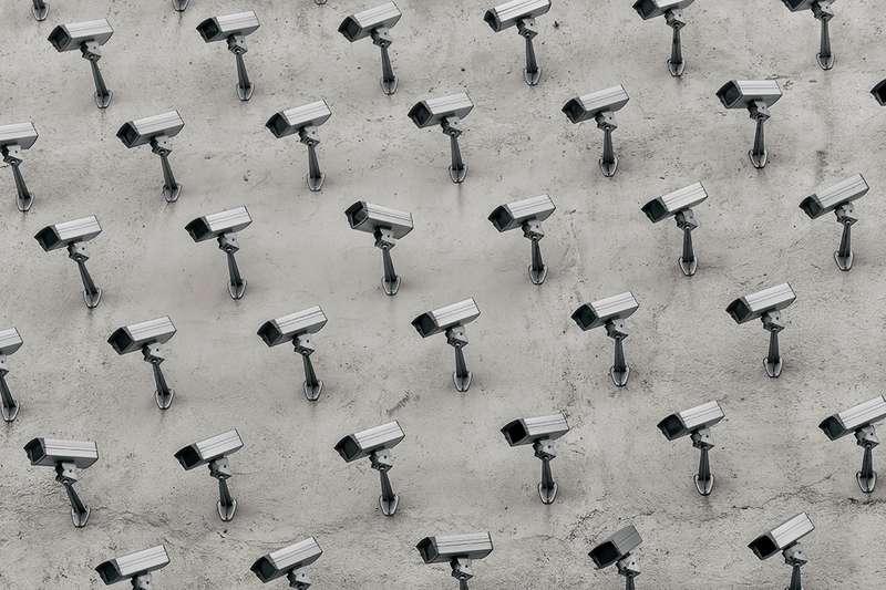 Kapitalisme Digital Membedah Dimensi Politis dari Platform Informasi